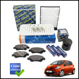 Kit Tagliando Filtri | Candele | Pastiglie Per Toyota Aygo 1.000 50kw/68cv dal 2005>