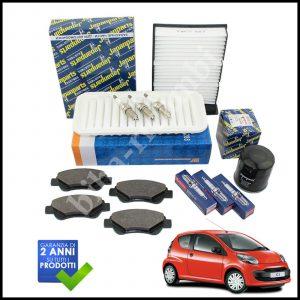 Kit Tagliando Filtri | Candele | Pastiglie Per Peugeot 107 1.000 50kw/68cv dal 2005>