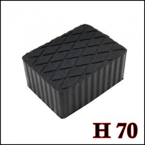 Tampone in gomma rettangolare di colore nero per ponti sollevatori altezza 70 mm